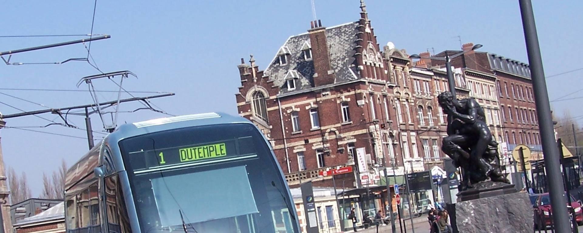 Valenciennes-visite-en-tramway-Gare