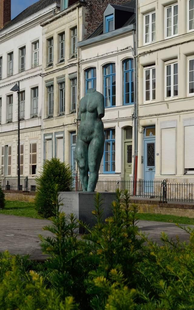 Place du neuf bourg Valenciennes