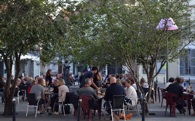 Valenciennes-Place nicolas-terrasse