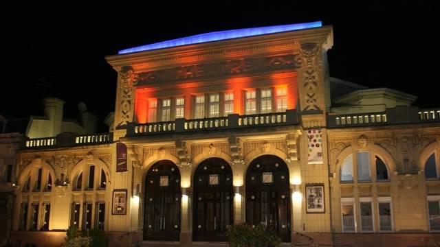 façade extérieure théâtre Anzin nocturne
