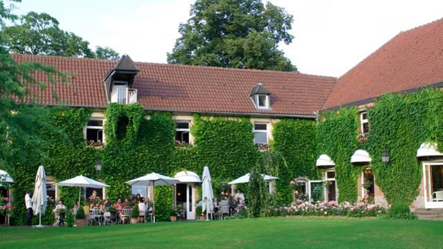 Hôtel-restaurant la Gentilhommière à Artres
