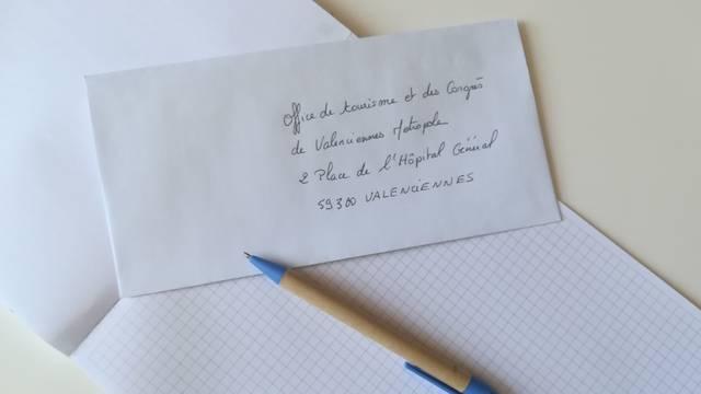 Nous écrire