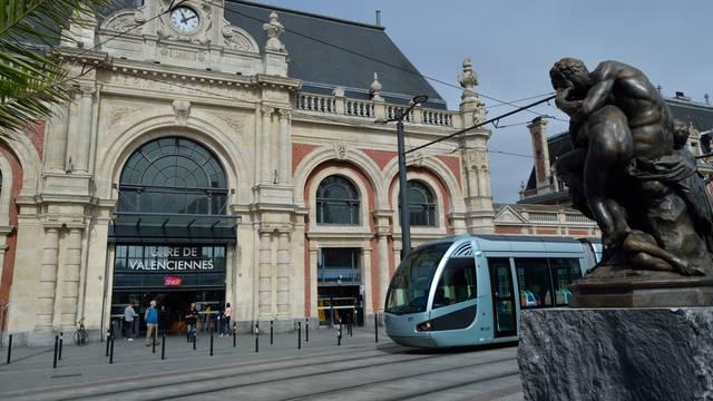 Valenciennes place de la gare