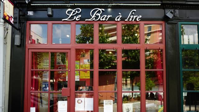 Valenciennes_Le_ Bar_à_ Lire_ Façade