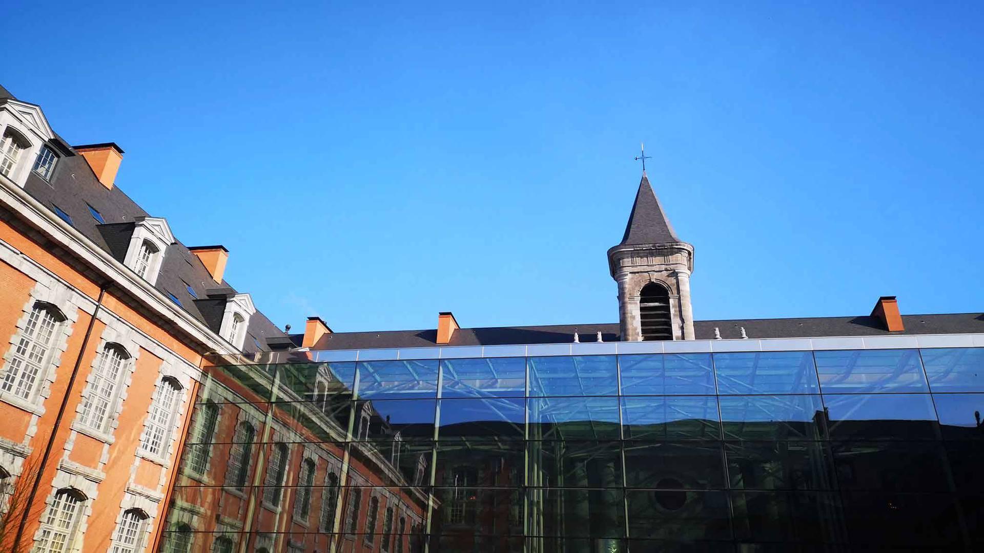Valenciennes Royal Hainaut spa & resort, la cour