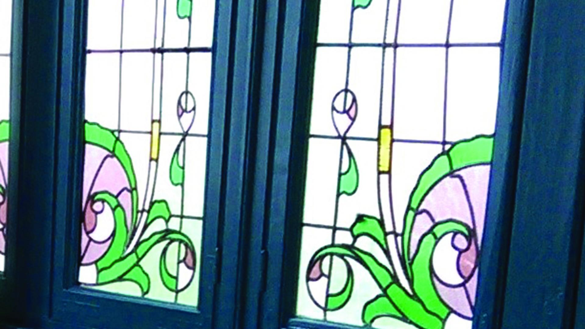 Valenciennes Brit Hôtel Notre Dame, chambre aux vitraux