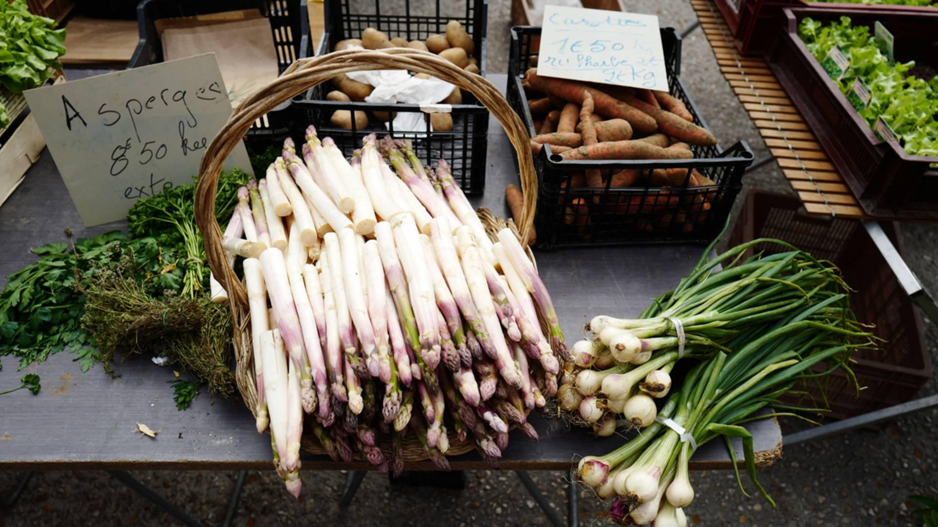 5b04c3b0e80 Les producteurs locaux sur le marché de Valenciennes