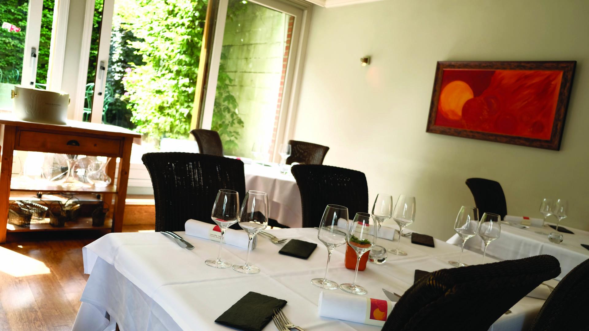 Salle_restaurant_Le_Musigny_décoration_espagnole
