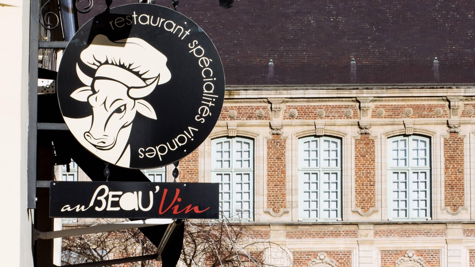 Valenciennes_Au Beau Vin_bibliothèque_place Saint_Nicolas.