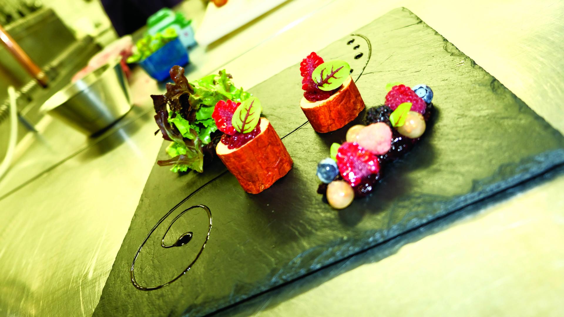 Valenciennes_restaurant_Le_Musigny_Foie_gras_cuit_au_sel_de_Guérande_ et_fruits_rouges